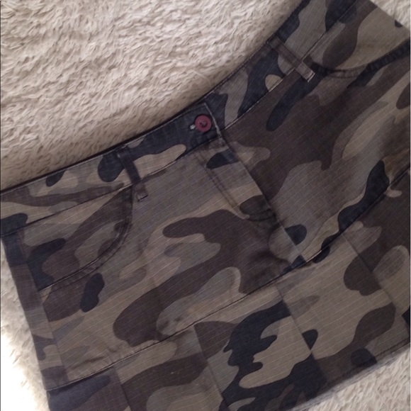 35b0a91af7 Forever 21 Skirts | Camo Pleated Mini Skirt | Poshmark
